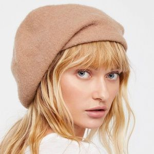Free People Accessories - Free people slouchy beret b82b729826e